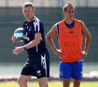 David Moyes may bring Everton defender Phil Jagielka to Manchester United