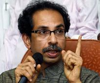 Uddhav talks tough, says Sena to oppose demonetisation if common man continues to suffer