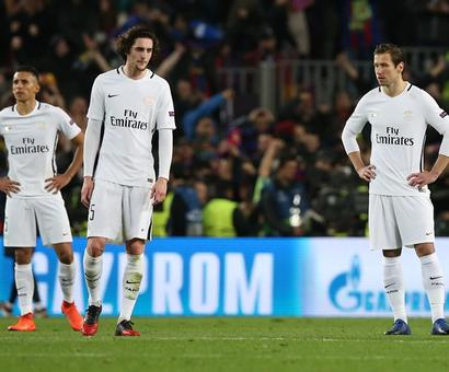 After Camp Nou decimation, PSG players confronted by angry fans at airport