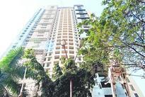 HC orders Adarsh demolition, allows stay