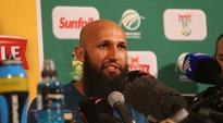 I have never asked any reporter to dress for my liking  Hashim Amla