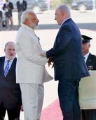 Modi presents 2 sets of copper plates from Kerala to Netanyahu