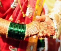 Pakistani lawmakers adopt landmark Hindu marriage bill
