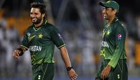 Afridi, Younis retain top contracts