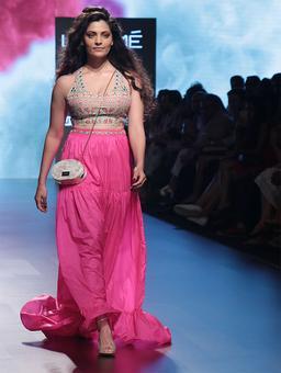 Pink and pretty: Saiyami Kher walks for Nishka Lulla