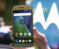 Moto G5 Plus vs iPhone SE: Which one should you buy?