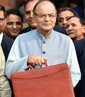 Centre should consider presenting Budget after polls: Quraishi