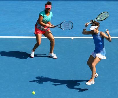 Sania-Hingis stutter in Stuttgart Open final