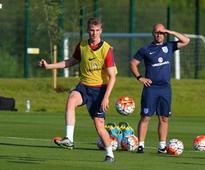 Arsenal transfer news: Gunners return with fresh bid for Bolton defender Rob Holding