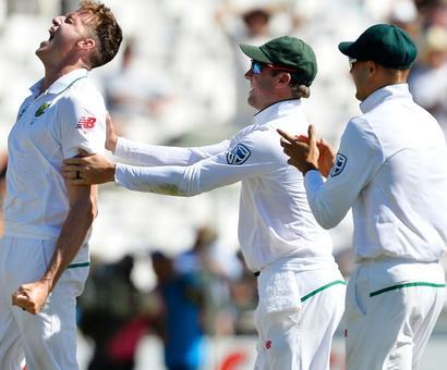 3rd Test PHOTOS: Morkel takes 300th Test wicket as Australia wilt