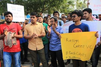 Stir intensifies with 'Chalo HCU' over Dalit scholar's suicide