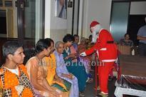 Mangaluru: Milagres Church marks advent of Christmas with carols at Ashrams