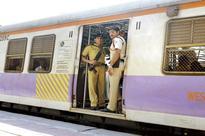 Churchgate bound train guard falls off train; an enquiry will be set up