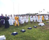 Samoa inmates mark Easter with family