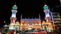 Food aside, Mastani dress fever grips Mohammad Ali road visitors