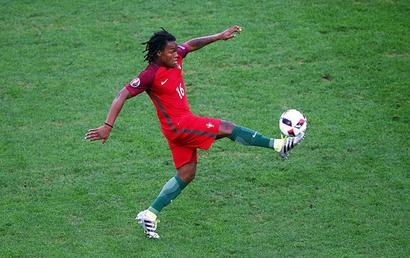 Euro: Portugal wonderkid Renato Sanches wins Young Player award
