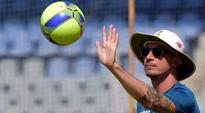 South Africa coach Russell Domingo backs Dale Steyn to get back to best