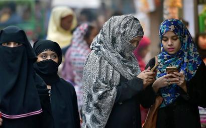 Lok Sabha passes bill criminalising instant triple talaq