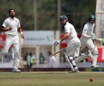 Handscomb, Marsh defy India