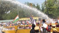 Police detain Bittu, Ashu, use water cannon on protesting Cong workers