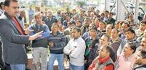 Civic workers dump waste at Manish Sisodia's office