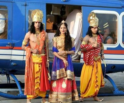 'Bhakts want Lord Ram to live in grandeur'