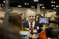 Warren Buffet Says American Express Is Under Attack
