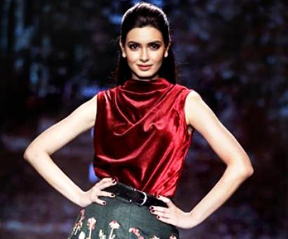 PIX: Diana Penty's lehenga is unbelievably gorgeous