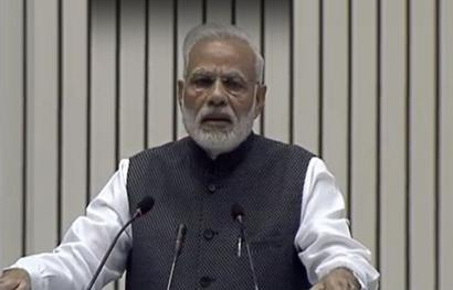 Govt should not interefere in working of media: PM on Press Day