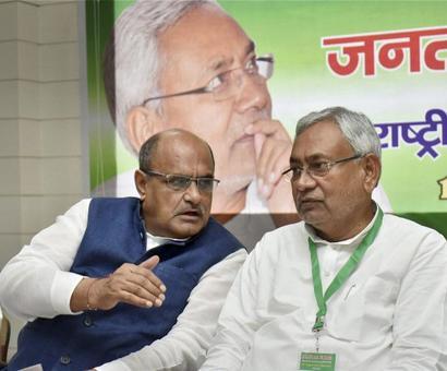 Nitish-led JD-U back in NDA; blames Congress for alliance failure