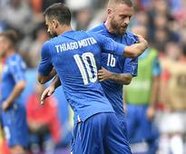 Euro 2016: Italy sweating on De Rossi injury as Thiago Motta suspension adds to Conte's headache