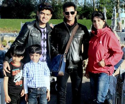 Spotted: Sharman Joshi in Holland