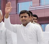 All parties including Congress ready for early Lok Sabha polls: Akhilesh