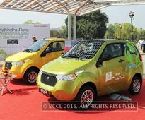 Government forms panel on electric car technology