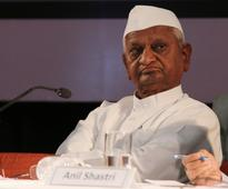 Anna Hazare lauds Centre's move to demonetise currency notes of Rs 500, Rs 1,000