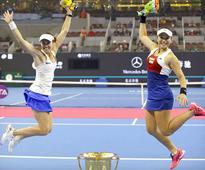 Swiss great Martina Hingis announces retirement