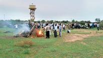 Karni Sena leader garners support for Jaipur Bandh
