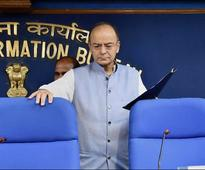 Budget 2018: In a first, Arun Jaitley uses both English, Hindi in speech