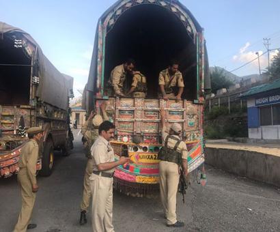 J&K: 66.5 kg heroin, brown sugar seized from truck on LoC