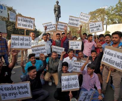 Bikes burnt, shops vandalised in protest against Padmaavat