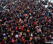 Chinese railway stations witness Spring Festival travel rush