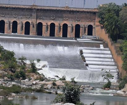 Defying SC order, Karnataka refuses to release Cauvery water to TN