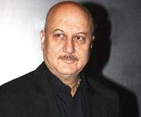 Anupam Kher Tried To Troll Dr Manmohan Singh But Got Severely Bashed By The Twitterati Instead!