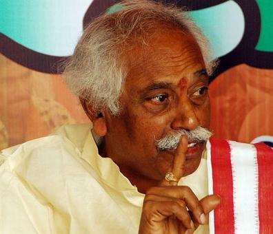 Hyderabad student's death: Union minister Bandaru Dattatreya booked for abetment to suicide