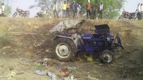 Tractor trolley overturns in Shivpuri; eight killed, 30 injured