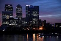 France steps up efforts to lure London banks to Paris