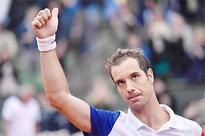Home hope Gasquet awaits Murray in French Open quarters