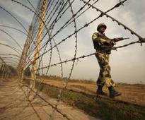 Pakistan resorts to cross-border firing at Indian posts on LoC in Kashmir