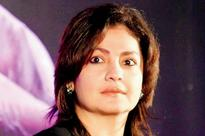 Dare to bare? Pooja Bhatt is on the hunt for a new face for 'Jism 3'