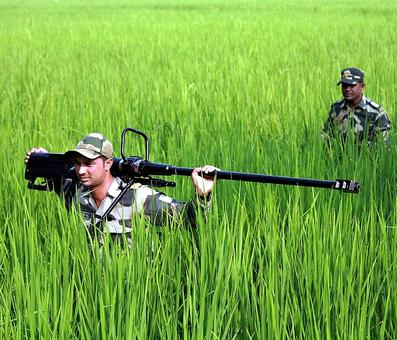 Search op in 12 villages near Indo-Pak border